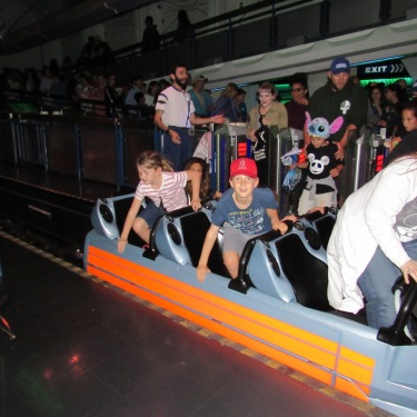 space-mountain-gettting-off