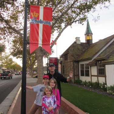 solvang-banner-dad-and-kids